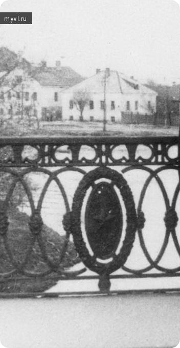 решётка старого моста
